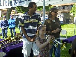 Children Experiment with Instruments at the Musical Petting Zoo